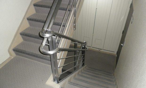 階段室ステンレス手すり交換工事